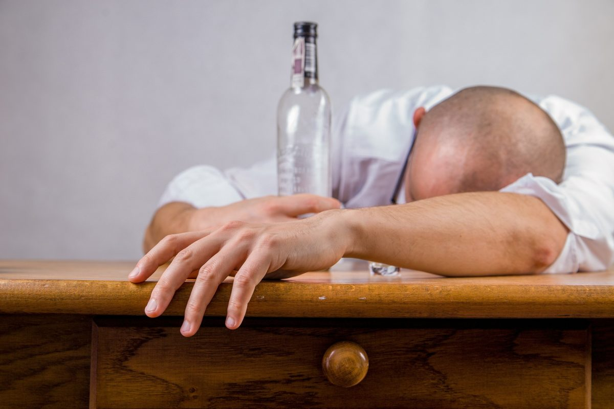 4 Signs You Might Be Abusing Alcohol