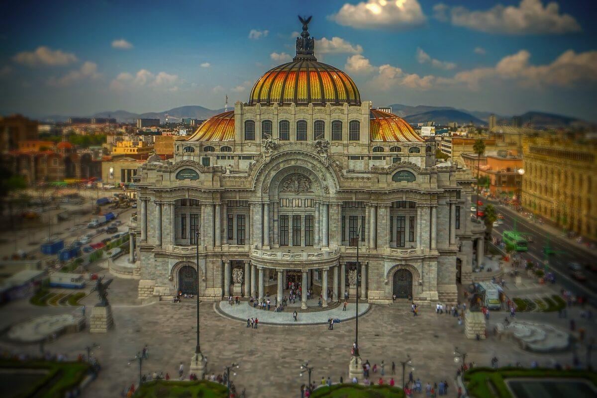 Rose Burillo = Top tips for surviving Mexico City