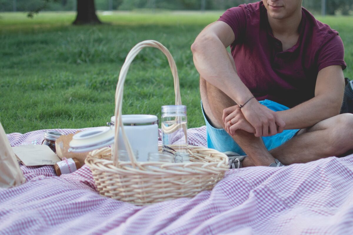 How to Host the Perfect Family Picnic